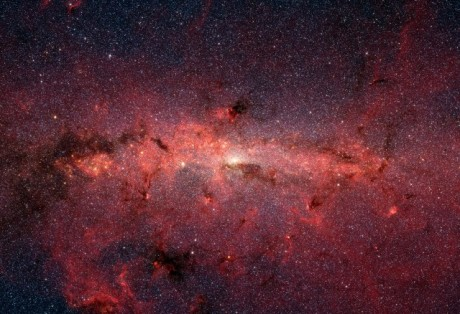 Milky_Way_IR_Spitzer-cropped-smaller-640x438